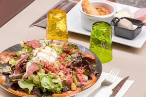 003 Au Grand mechant Loup restaurant bouchon lyon cordeliers salade Au Grand Méchant Loup