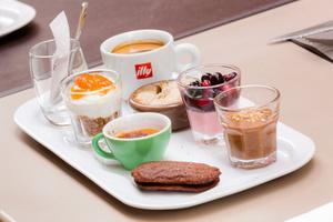 007 Au Grand mechant Loup restaurant bouchon lyon cordeliers dessert cafe gourmand Au Grand Méchant Loup