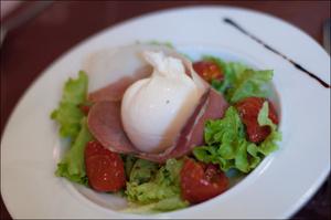 1 salade entree restaurant monts du lyonnais thurins auberge de la cote Auberge de la Côte