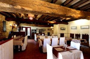 Photo  81-salle-restaurant-monts-du-lyonnais-thurins-auberge-de-la-cote.JPG Auberge de la Côte