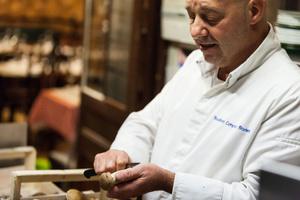 005 Cafe Comptoir Brunet chef equipe cuisine eplucher Bouchon Comptoir Brunet