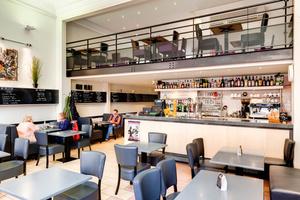 06 tomate farcie 03 mezzanine 0 feuilete la patrie brasserie restaurant Lyon Brasserie La Patrie