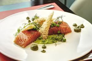 001 saumon plat BRG bistrot rive gauche restaurant crowne plaza cite internationale lyonresto BRG Bistrot Rive Gauche