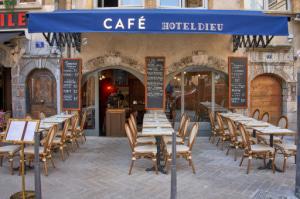 Photo  00708_Cafe-Hotel-Dieu-Lyonresto-restaurant-Lyon.jpg Café Hôtel Dieu
