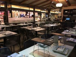 01 Cellerier restaurant Halles de Lyon Lyonresto Cellerier Halles de Lyon