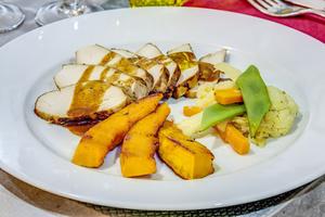 004 Comptoir Jayet restaurant Jean Mace plat poulet potimarron selection Comptoir Jayet