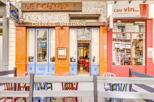 002 Creperie Le Dolmen Lyon Restaurant terrasse Crêperie Le Dolmen