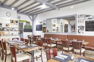 003 Creperie Praline et Fleur de Sel Restaurant salle table Crêperie Praline et Fleur de Sel