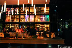 5 bar comptoir salle restaurant bar dansant festif f and k bistroclub lyon F&K Bistroclub