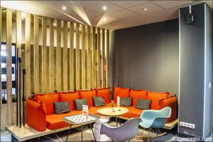 02 Ibis Kitchen Part Dieu Restaurant Lyon salon lounge Ibis Kitchen Part-Dieu