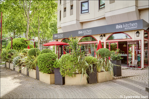 04 Ibis Kitchen Part Dieu Restaurant Lyon terrasse Ibis Kitchen Part-Dieu