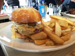 04 burger Joe s restaurant saint priest  Joe's