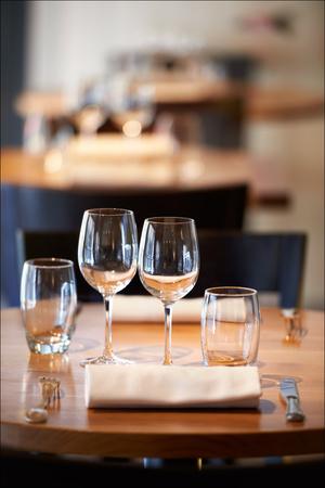 5 table verres salle restaurant atelier augustins lyon L'Atelier des Augustins