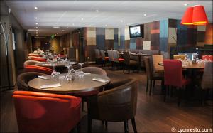 23 ensemble salle restaurant l endroit brignais L'Endroit - Brignais