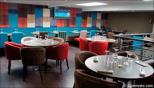 3 salle etage mezzanine restaurant civrieux azergues l endroit L'endroit - Civrieux