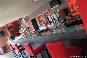 5 salle comptoir restaurant l arbresle l endroit L'Endroit - l'Arbresle