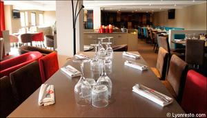 Photo  92-tables-detail-restaurant-l-endroit-craponne.jpg L'endroit Craponne