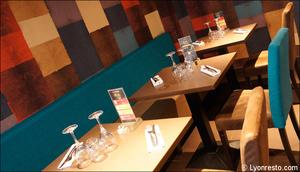 Photo  95-tables-restaurant-l-endroit-craponne.jpg L'endroit Craponne