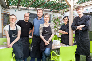 001 Esprit Bistrot Vaise Lyon restaurant terrasse equipe L'Esprit Bistrot Vaise