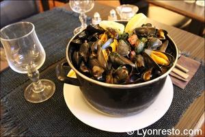Photo  035-moules-marinieres-restaurant-essentiel-lyon.jpg L'Essentiel