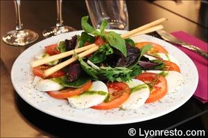 1 tomates mozza restaurant italien pizzeria officina lyon L'Officina