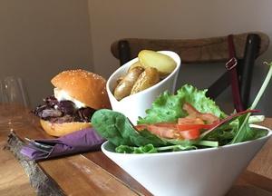 03 salade burg restaurant la cantina de Lello Lyon La Cantina de Lello