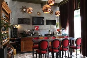 Photo  7-salle-lampes-restaurant-lyon-vaise-cour-des-miracles.jpg La Cour des Miracles