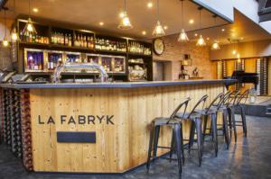02 la fabryk comptoir bar deco La Fabryk