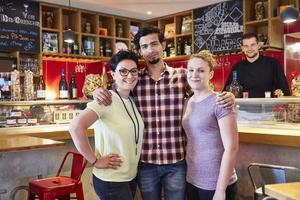 003 equipe La Goutte bar a vin Lyon restaurant Lyonresto La Goutte