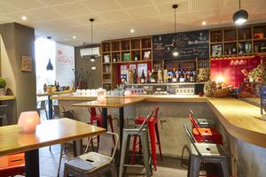 005 La Goutte bar a vin Lyon restaurant Lyonresto salle La Goutte
