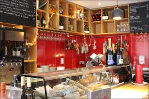 Photo  93-comptoir-produits-restaurant-bar-a-vin-tapas-la-goutte-lyon.jpg La Goutte