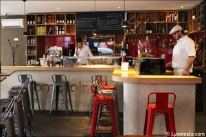 Photo  95-salle-comptoir-restaurant-bar-a-vin-tapas-la-goutte-lyon.jpg La Goutte
