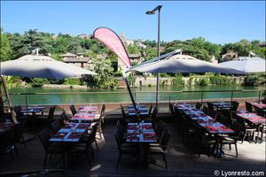 Photo  008-terrasse-saone-restaurant-lyon-caluire-grotte-saint-loup.jpg La grotte Saint Loup
