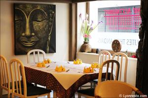 1 salle tableau bouddha restaurant maison thai cuisine thailandaise lyon selection La Maison Thaï