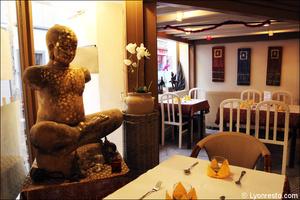 7 salle bouddha deco restaurant maison thai cuisine thailandaise lyon La Maison Thaï