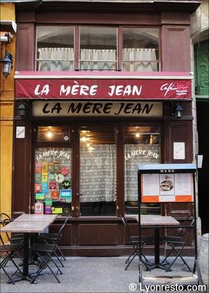1 la mere jean  La mère Jean