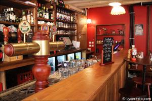 3 comptoir restaurant pub vieux lyon mouss tache La Mouss'tache