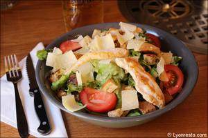 6 salade restaurant pub vieux lyon mouss tache selection La Mouss'tache