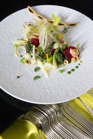 2 plat legumes restaurant gastronomique la pyramide vienne La Pyramide - Vienne