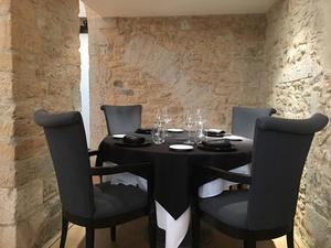 001 La Quintessence restaurant Lyon gastronomie salle  La Quintessence