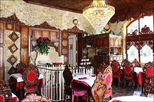 01 salle ensemble lustre restaurant indien lal qila lyon Lal Qila