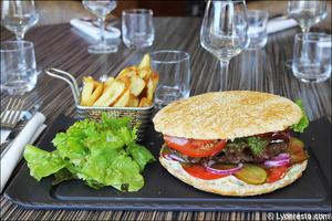 00656 burger boeuf plat restaurant le 109 decines brasserie Le 109