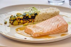 007 Le Bistrot d Arno restaurant Lyon 6 plat poisson Le Bistrot d'Arno