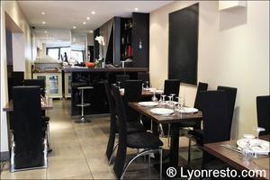 03 salle comptoir restaurant bossuet lyon le Bossuet