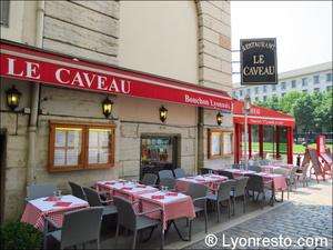 16 le caveau  Le Caveau