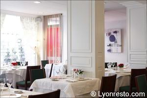 07 salle restaurant chalut Le Chalut