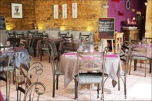 6 ensemble tables restaurant clos de l ange lyon Le Clos de l'Ange