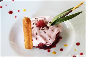 Photo  91-charlotte-fraises-dessert-restaurant-coeur-du-pitre-lyon.jpg Le Coeur du Pitre
