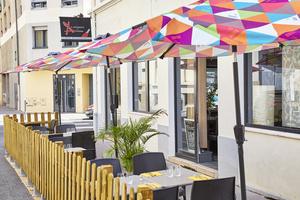 0005 terrasse Le Comptoir des Artistes restaurant Bourse du travail Lyon Le Comptoir des Artistes