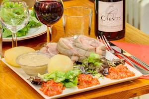 005 Le Garde Manger Lyon Restaurant plat vin pomme de terre Le Garde Manger